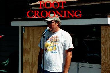 FOOTSINGS.jpg